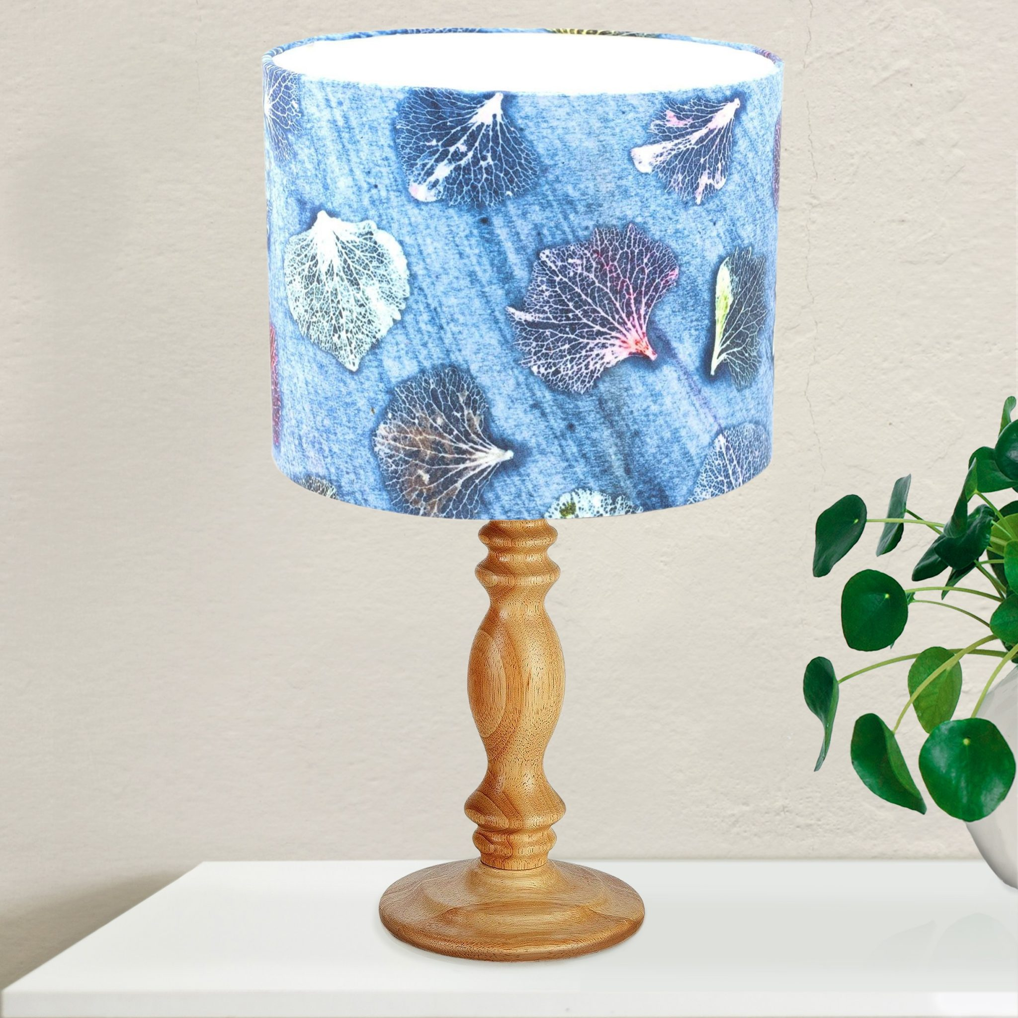 Living Room Lamp Shades: White & Blue Lamp Shade For The Living Room